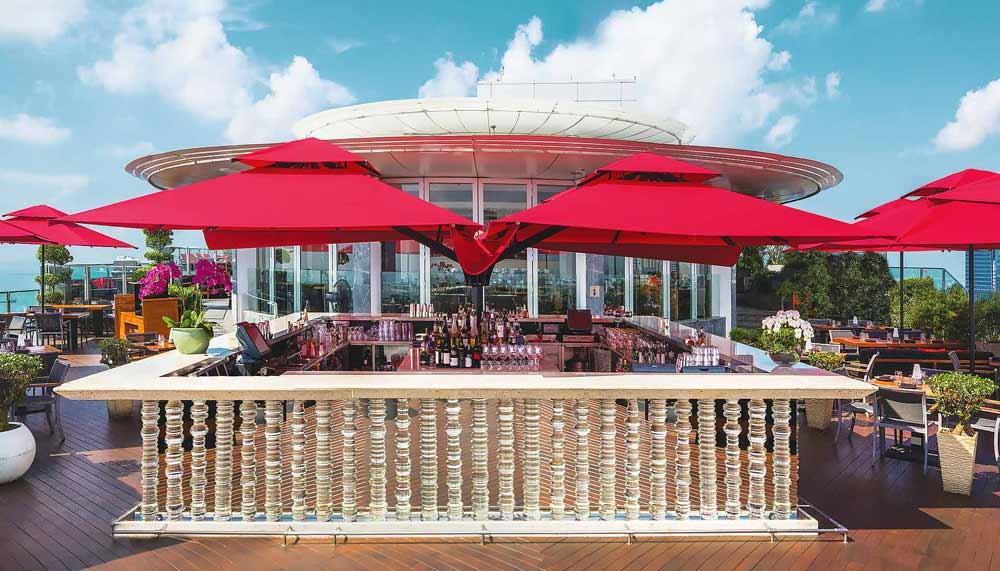 Restaurants in Singapore with a view - Ce La Vi - Singapore
