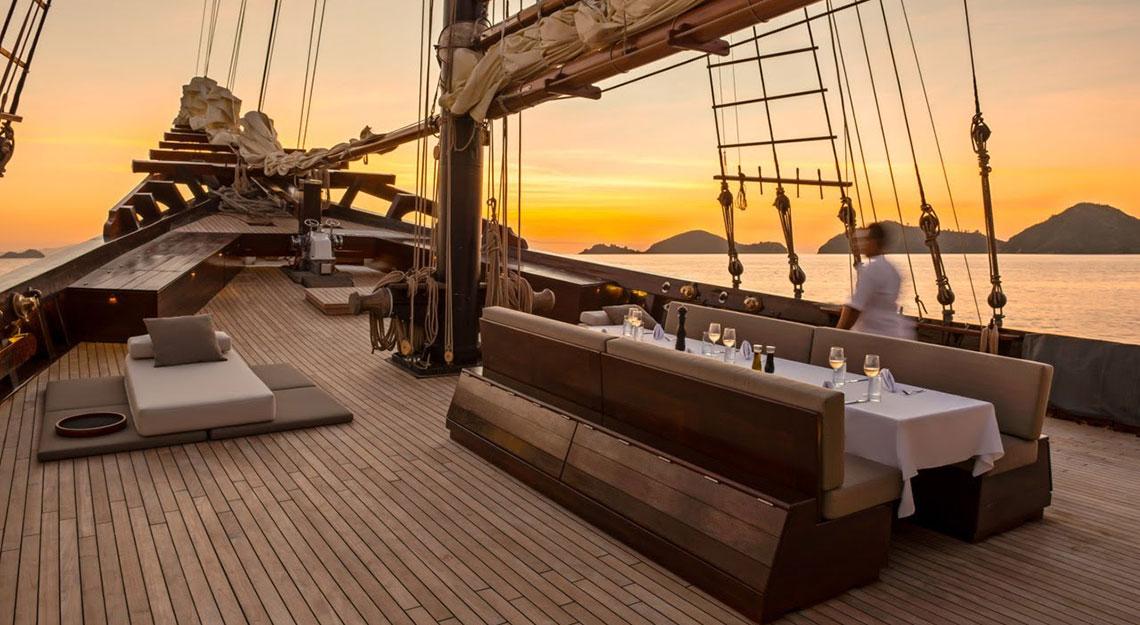 Amandira yacht charter