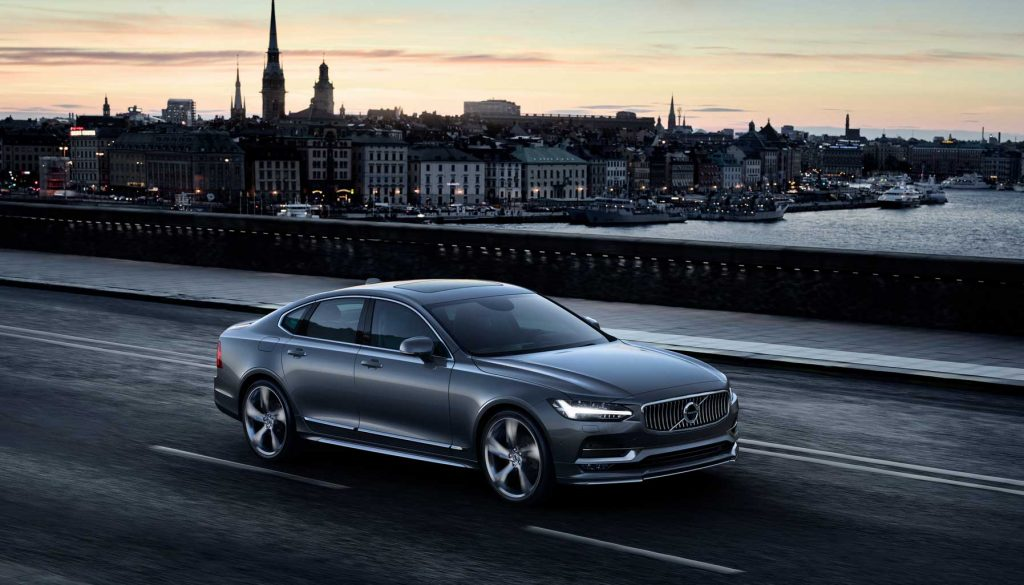 The Volvo S90 brings a Scandinavian twist to the mid-sized premium saloon segment