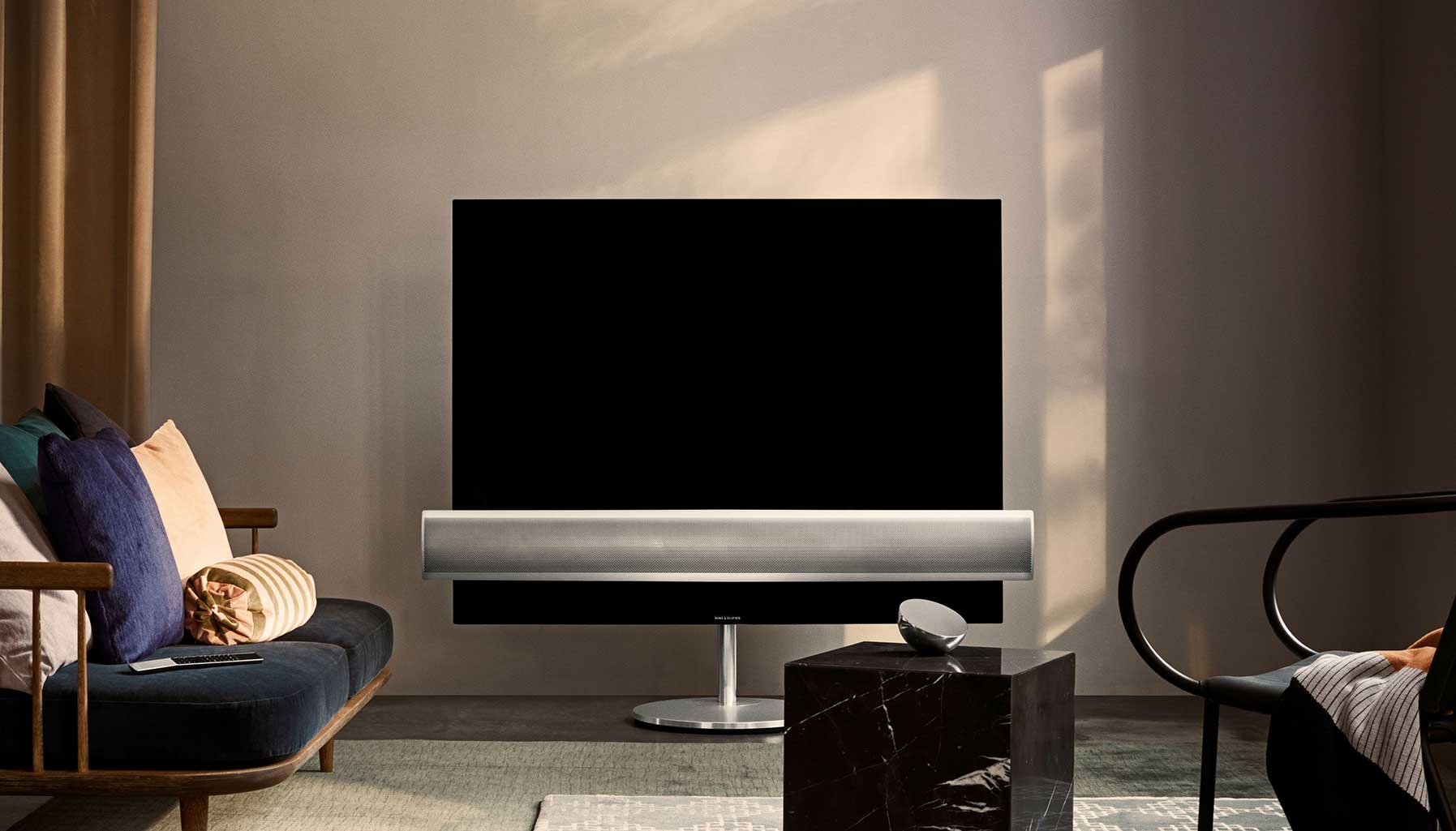 Bang & Olufsen 4K Ultra-HD Beovision Exlipse