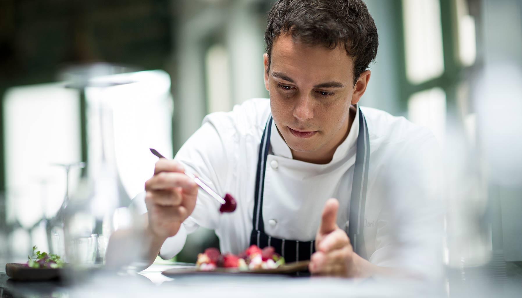 Chef Carlos Montobbio, Esquina