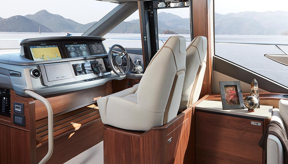 Princess Yachts P62