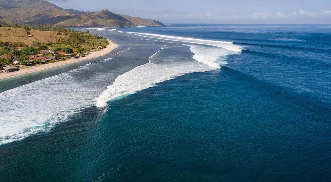 Desert Point, Lombok, Indonesia