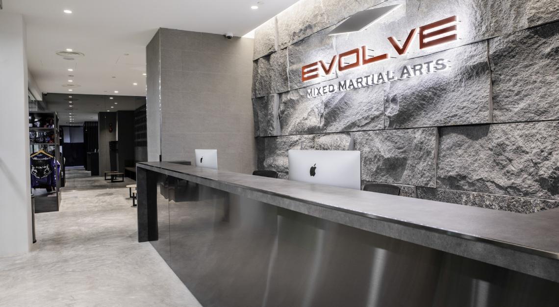 Evolve-Clarke-Quay-Central-Front-Desk