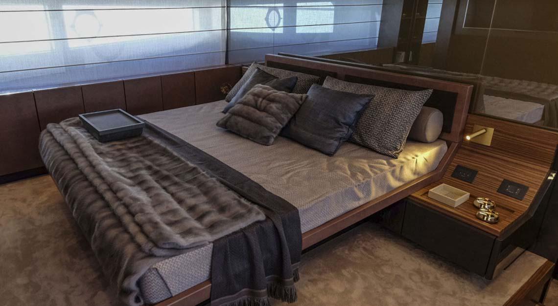 Hong Seh Marine - Ferretti Yachts 670