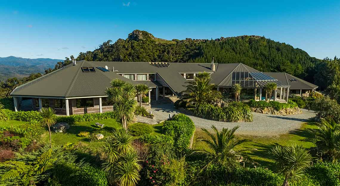 Luxury vacation homes in New Zealand - Westhaven Retreat