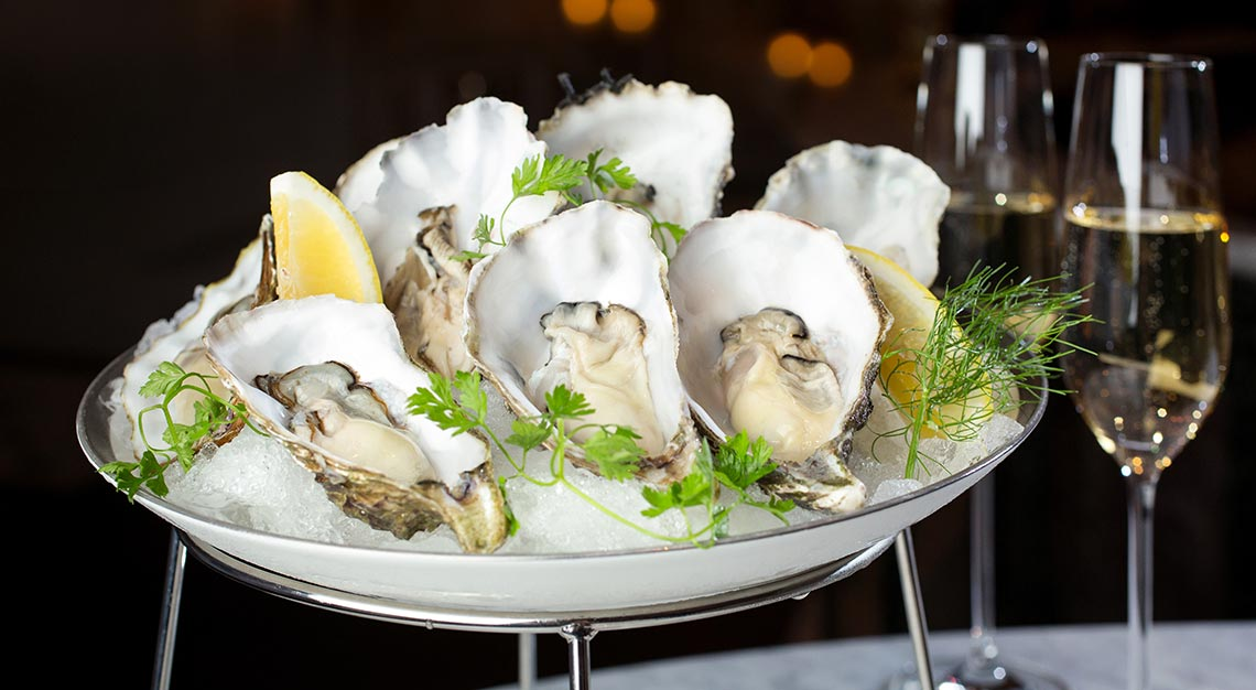 Oysters and champagne, MO bar, mandarin oriental singapore