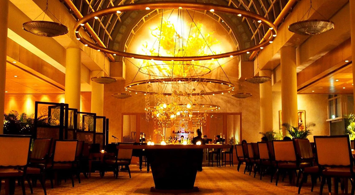 Best restaurants for oysters in Singapore - Chihuly Lounge, The Ritz-Carlton, Millenia Singapore