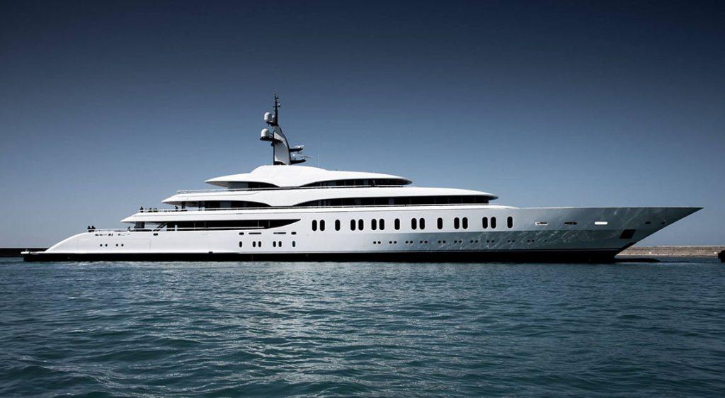 Benetti FB275 Gigayacht
