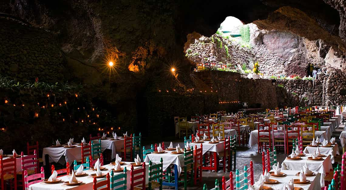 Hidden restaurants around the world - La Gruta