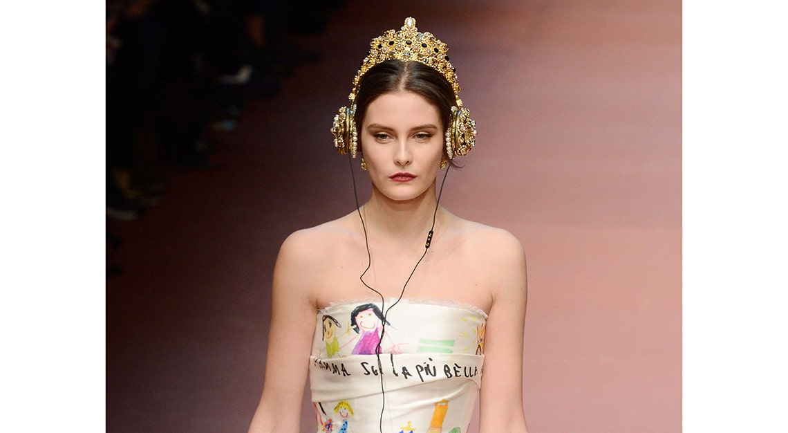 Crazy fashion trends - Dolce & Gabbana x FRENDS Crown Headphones