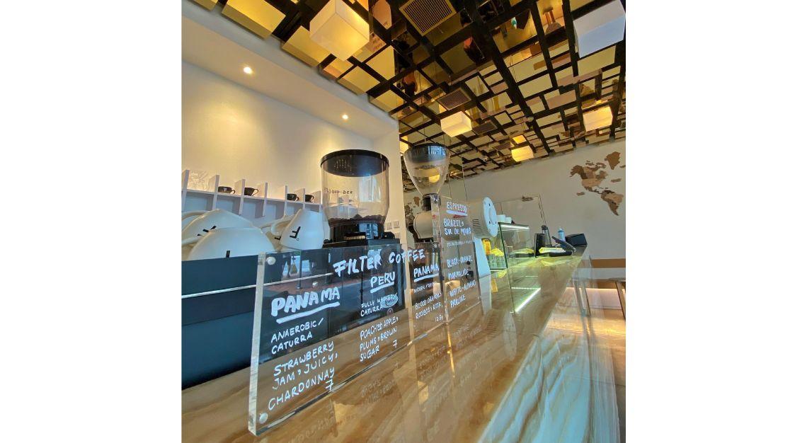 fahrenheit coffee interior