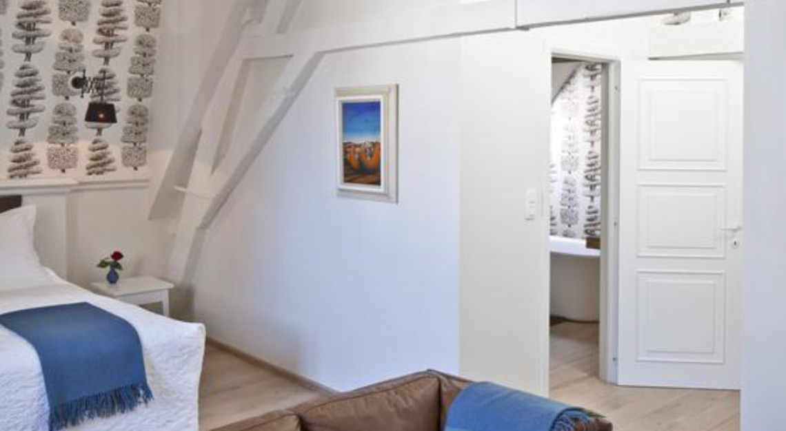 Jacquemine Luxury Guesthouse & Art Gallery