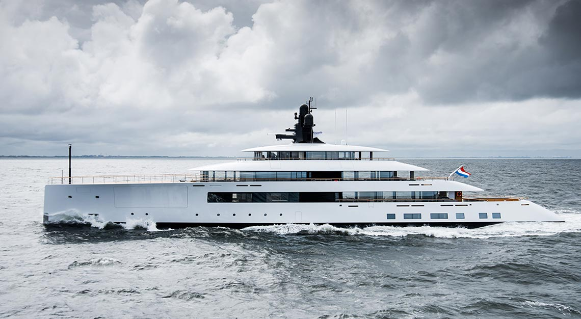 Feadship's Syzygy 818