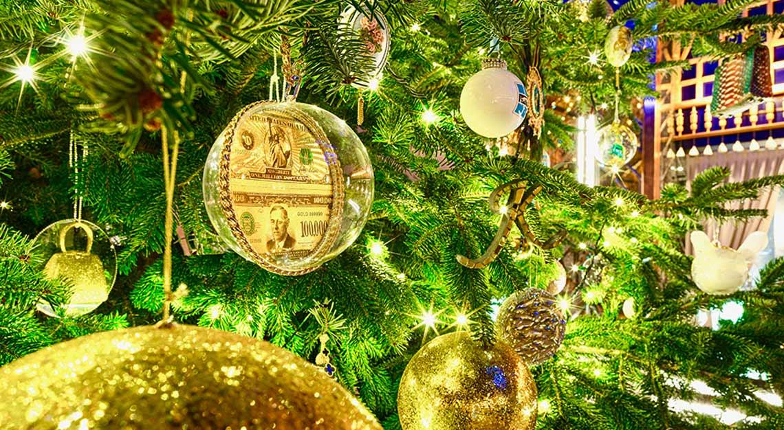 empinski Hotel Bahia in Marbella, world's most expensive Christmas tree