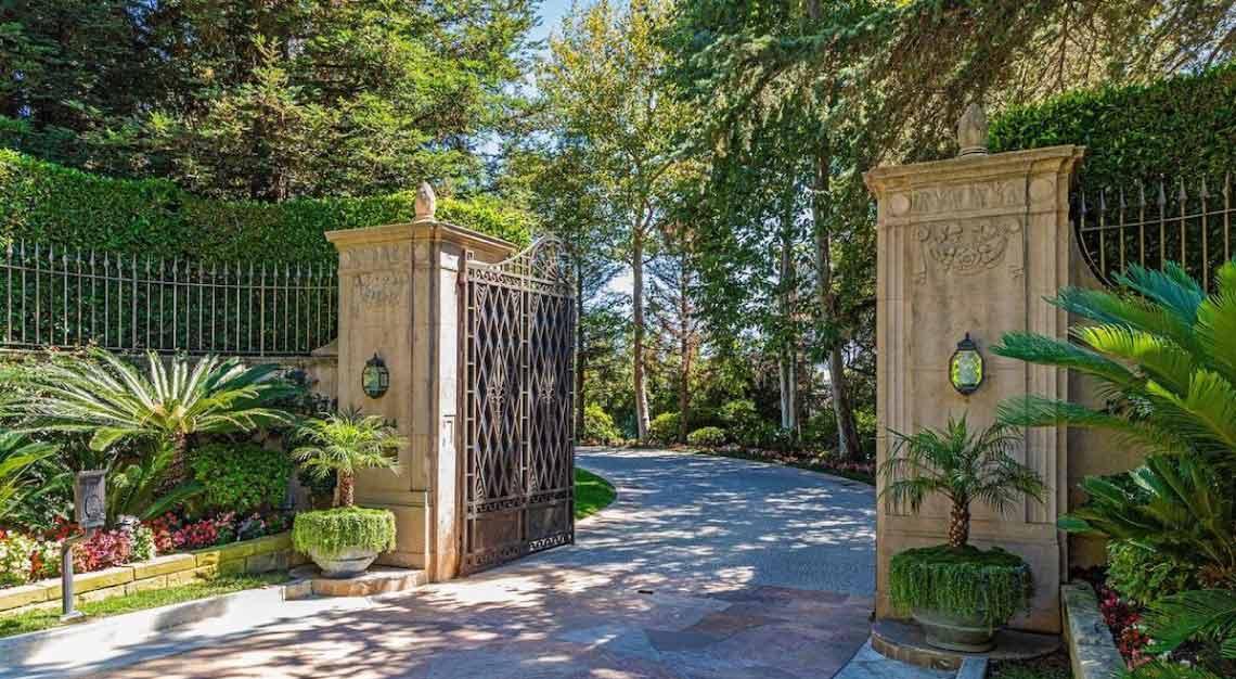 Casa Encantada, California