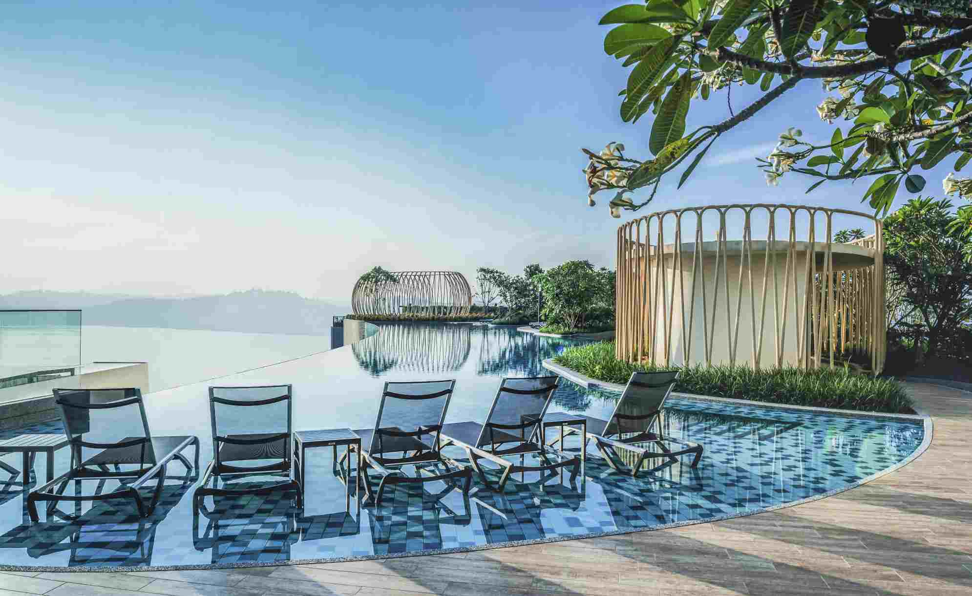 The infinity pool at Puteri Cove Residences