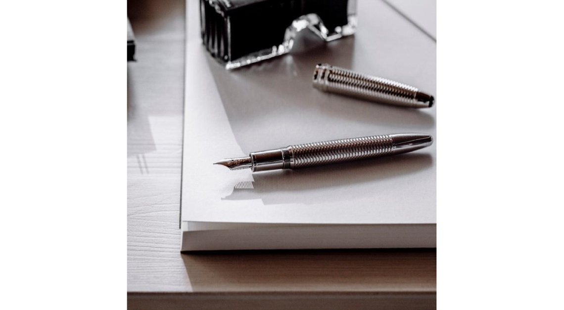 Montblanc Meisterstück Geometry Solitaire LeGrand Fountain Pen
