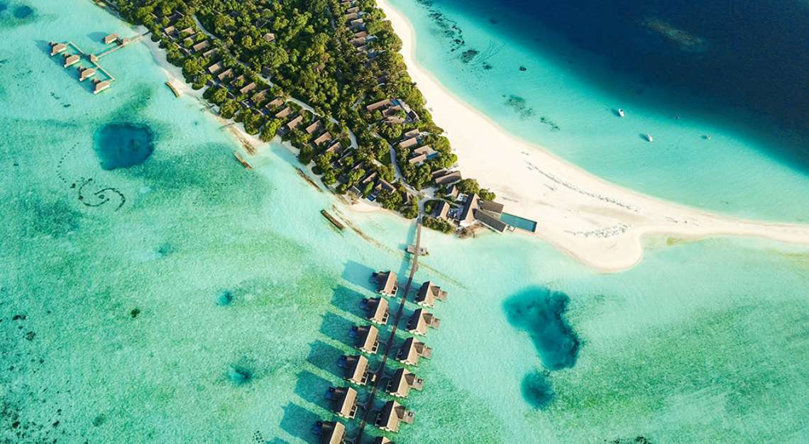 Unvaccinated? The Maldives' New Tourist Program Will Put a Shot in Your Arm When You Land