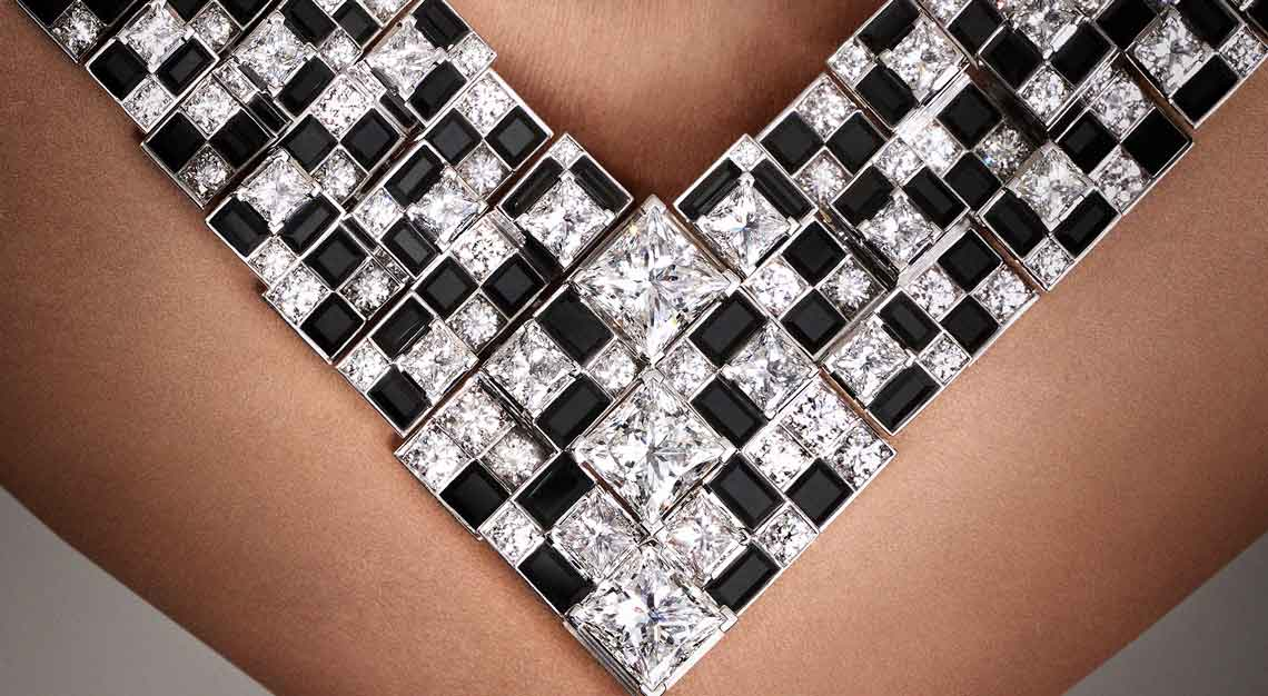 Cartier-high-jewellery-sixieme-sens-meride-necklace-close