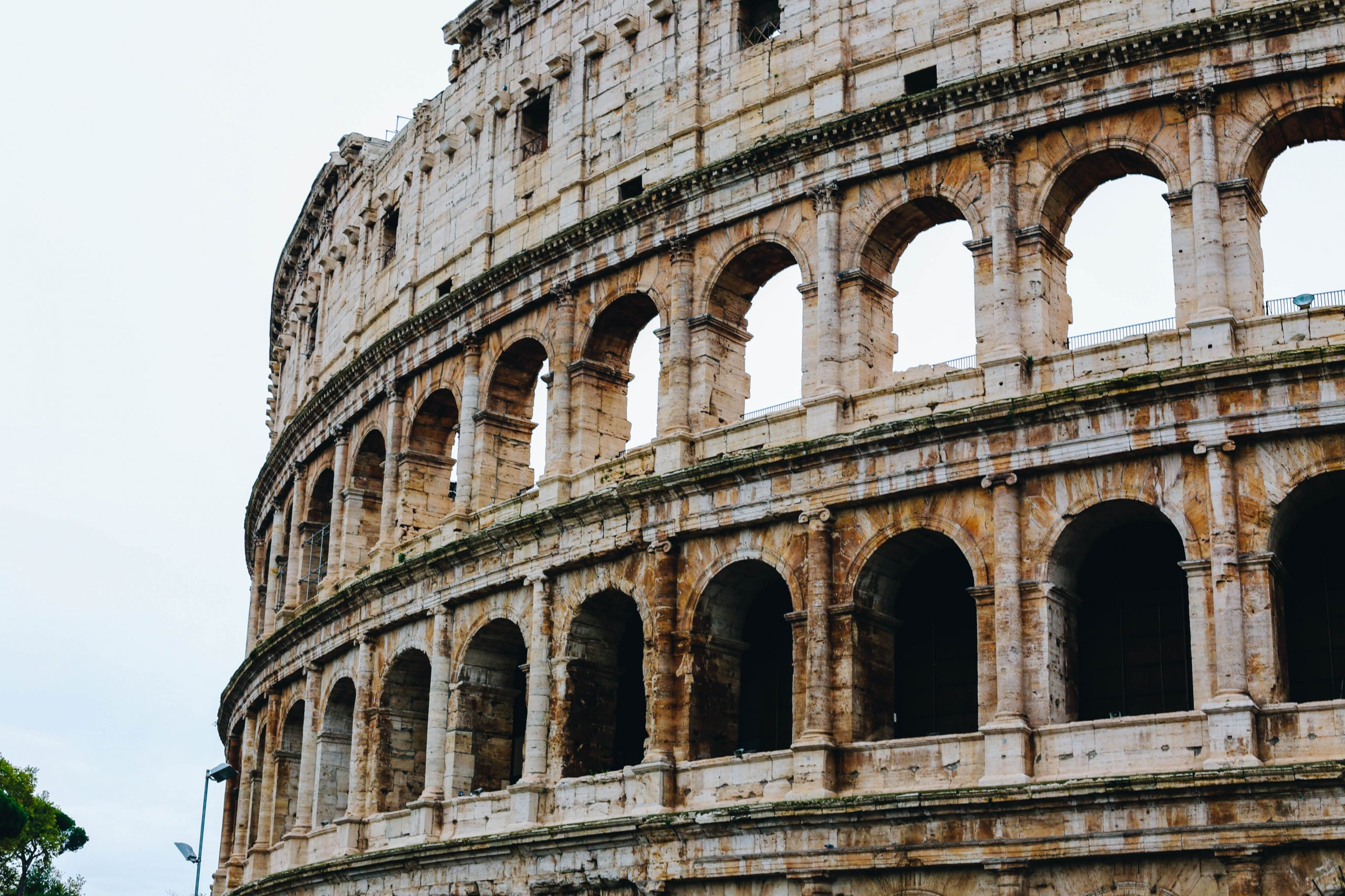 Tods restores Rome's colosseum