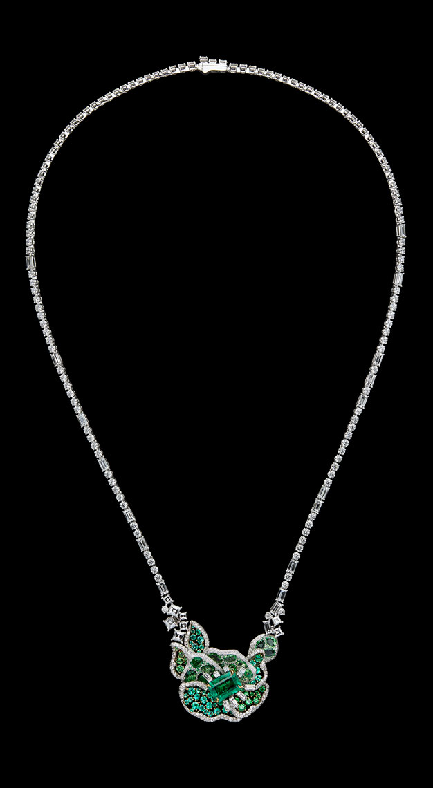 Fashion-houses-high-jewellery-dior-necklace