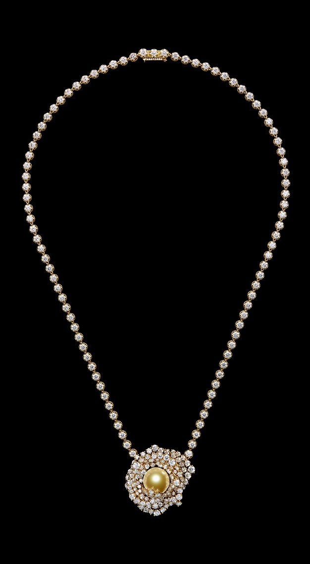 Fashion-houses-high-jewellery-dior-necklace-pearl