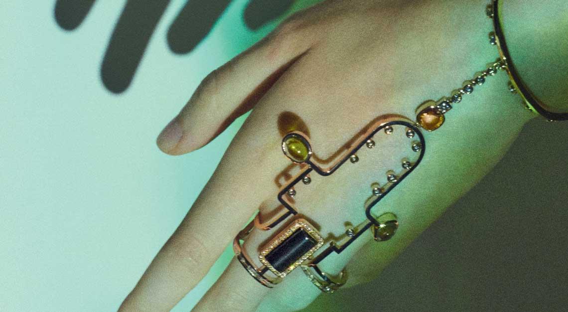 Fashion-houses-high-jewellery-hermes-bracelet