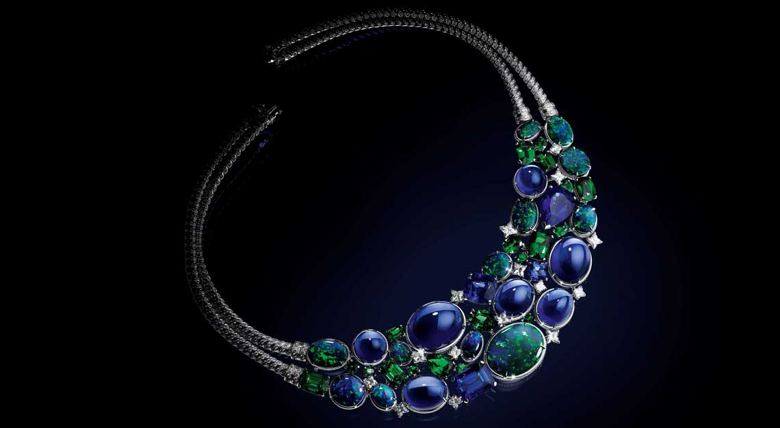 Fashion-houses-high-jewellery-louis-vuitton-necklace-opals